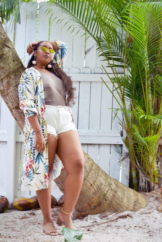 zara kimono, boohoo bodysuit, american eagle denim shorts, summer ootd, Miami outfit
