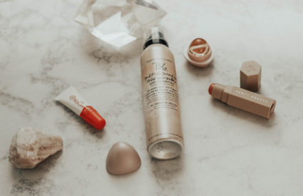 What's In My Makeup Bag: Kopari, Fenty Beauty, Bumble & Bumble, EOS, Glossier