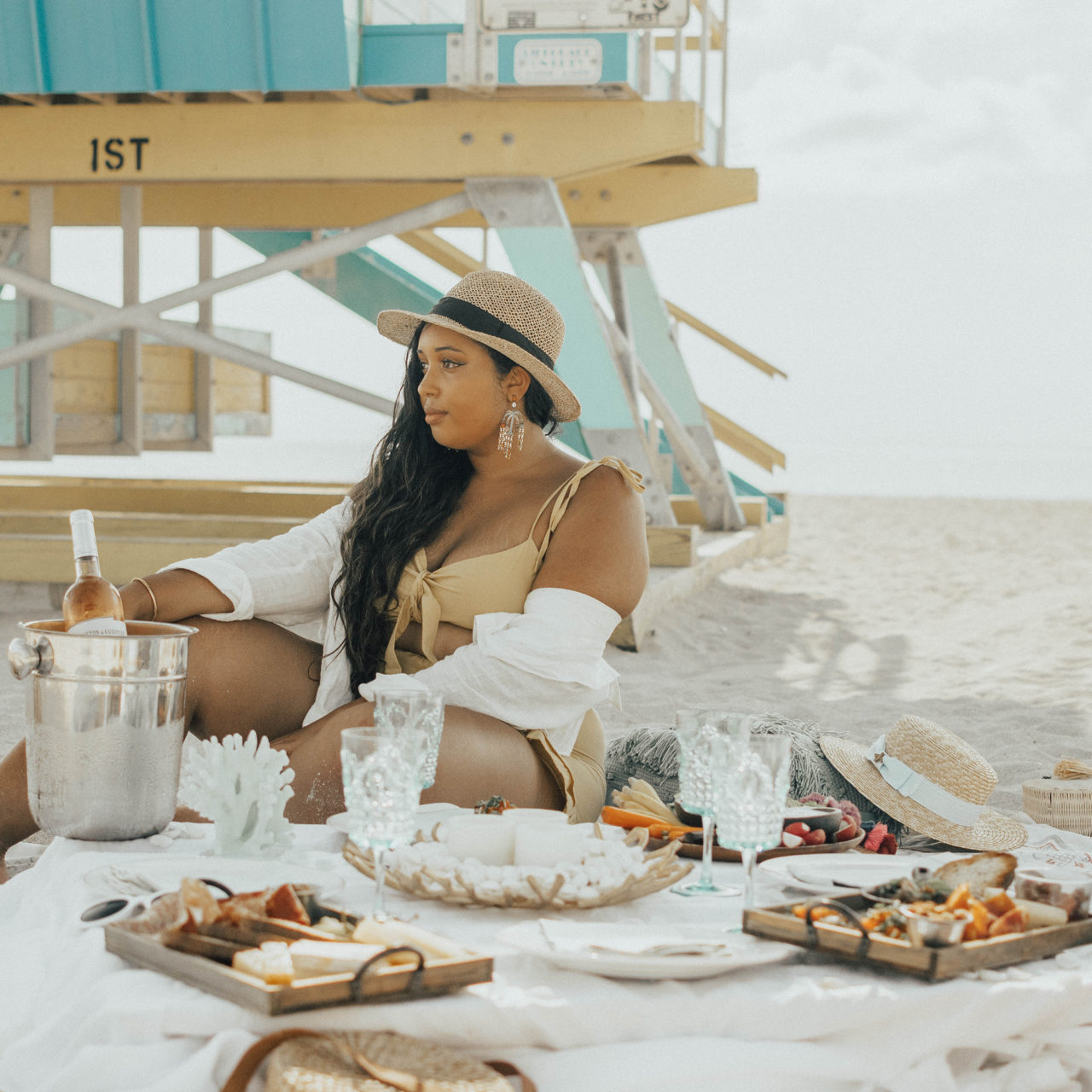 5 Tips for Hosting the Perfect Beach Picnic