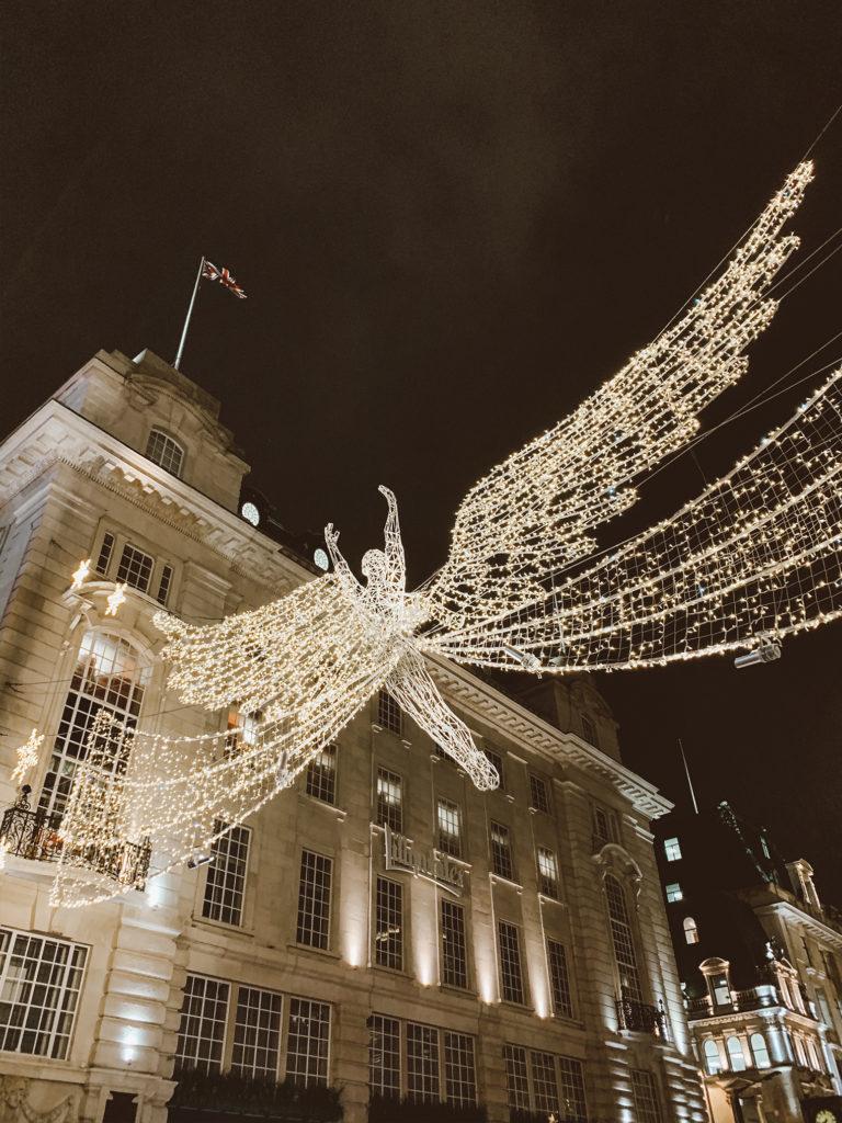 Christmas lights in London - London Itinerary | www.fromnubiana.com