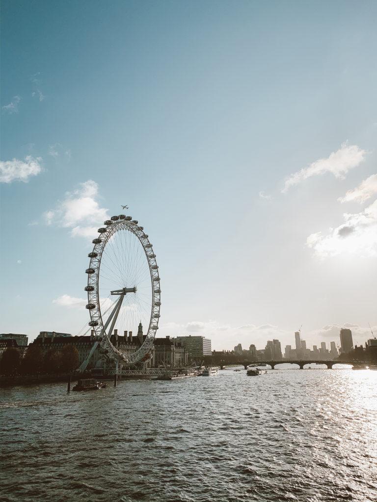 London Eye - London Itinerary   www.fromnubiana.com